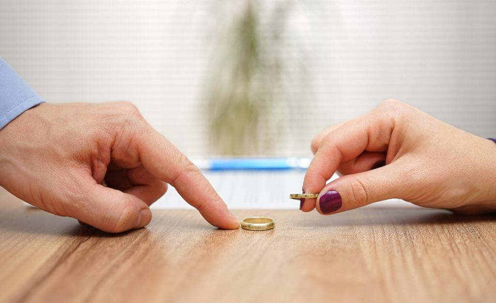 How to Manage Expenses After A Divorce?